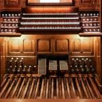 La console de l'orgue Alain Cliquer pour agrandir