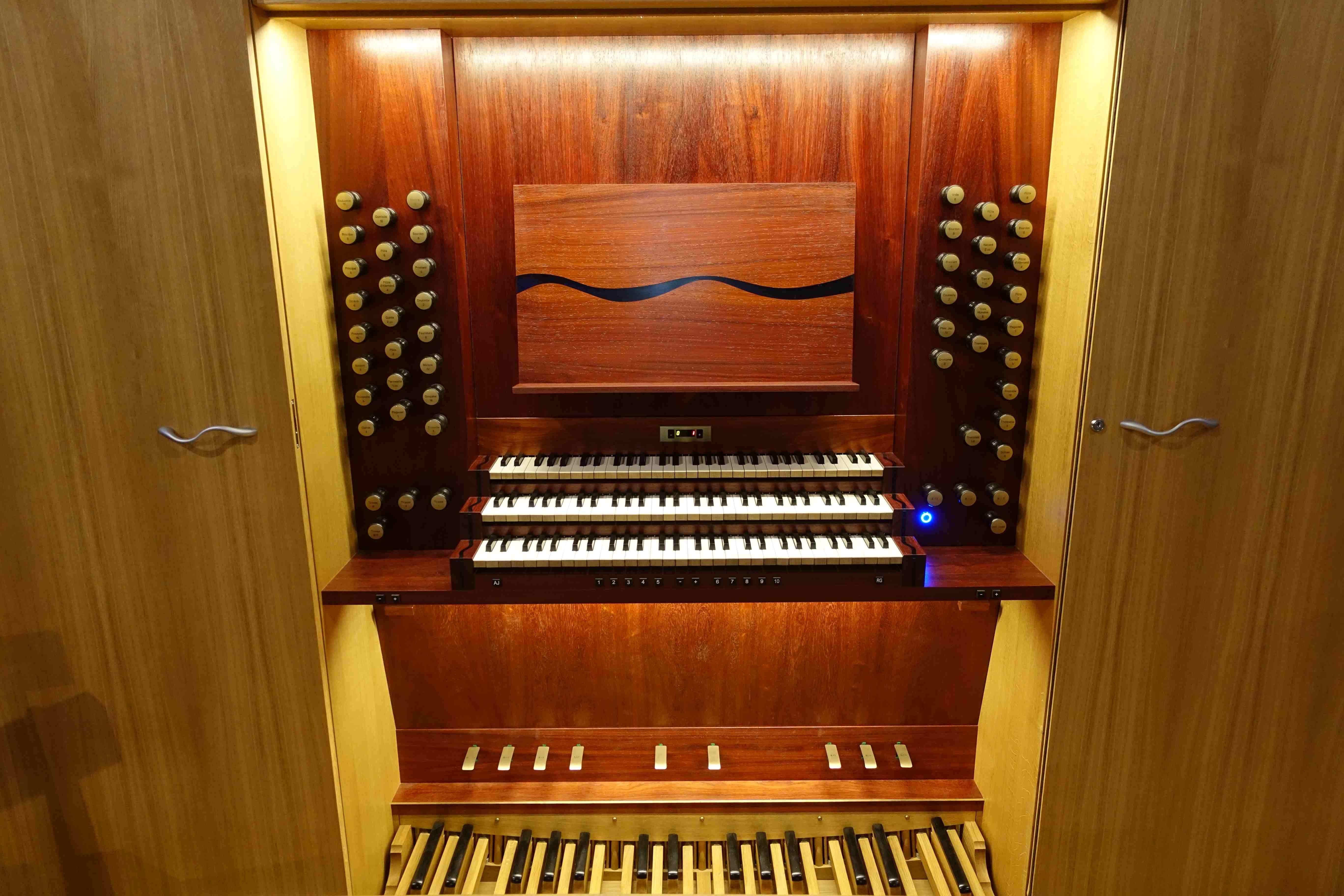 Console orgue du Pouliguen