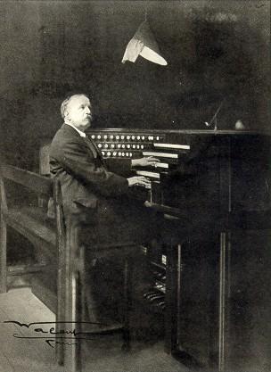 Louis Vierne à la console Cavaillé-Coll
